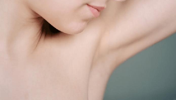 女性の脇の下